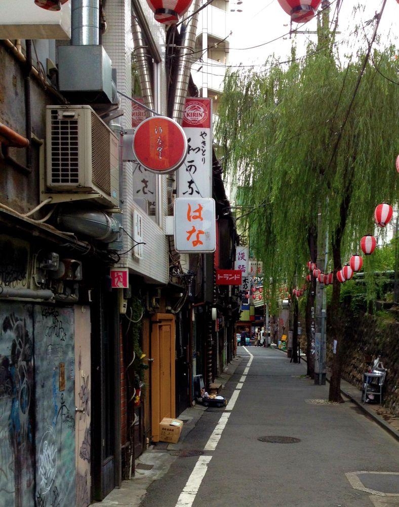 A quiet pathway in Shibuya - Tokyo
